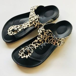 Betula Birkenstock Cheetah Gizeh Sandal NWOT